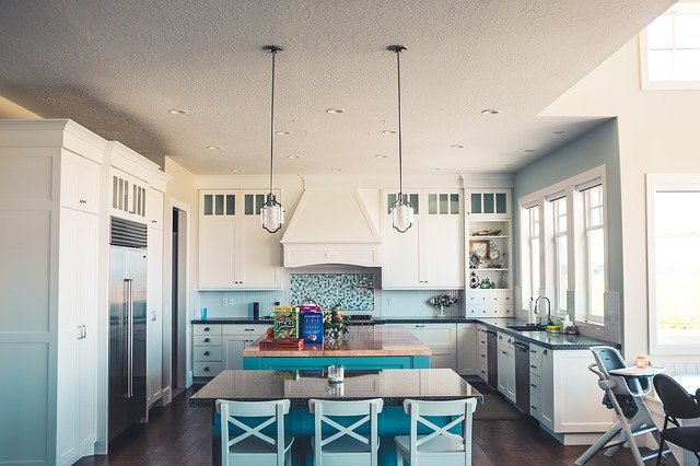 HOW DO YOU MAKE AN OLD KITCHEN LOOK NEW IN A RENTAL